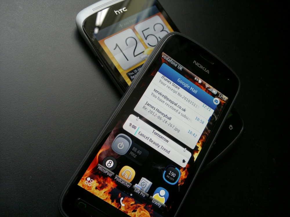 Nokia 808 and HTC One S