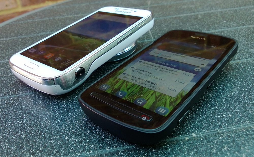 S4 Zoom and Nokia 808