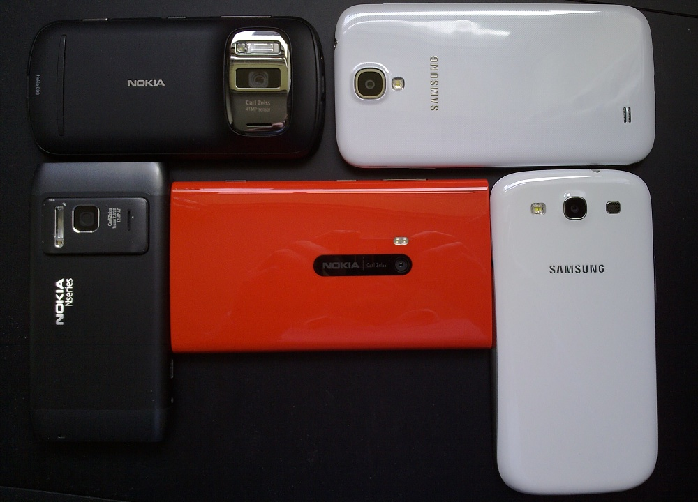 From top left: Nokia 808, SGS4, SGS3, Lumia 920 and N8