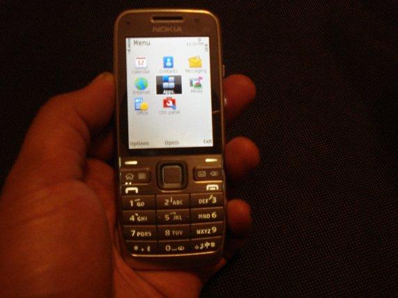 Nokia E52 face