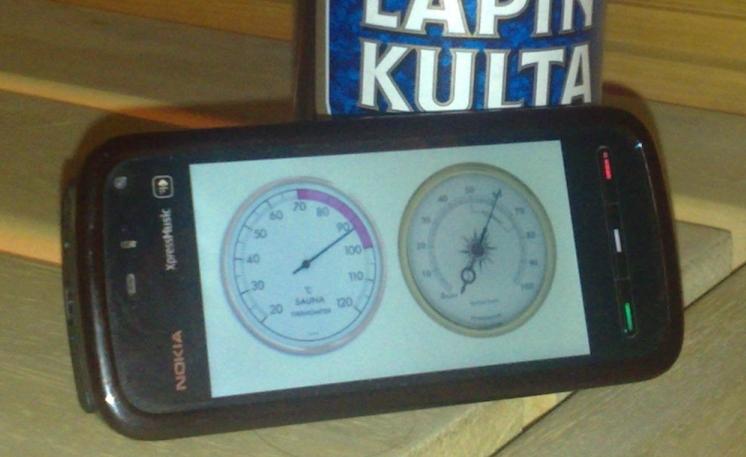 Nokia 5800 Sauna Edition close up