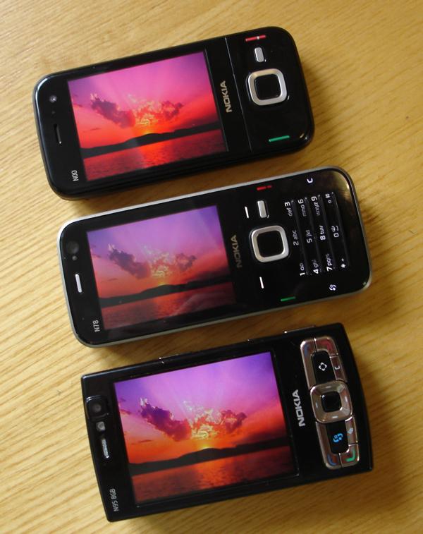 N85 OLED screen comparison