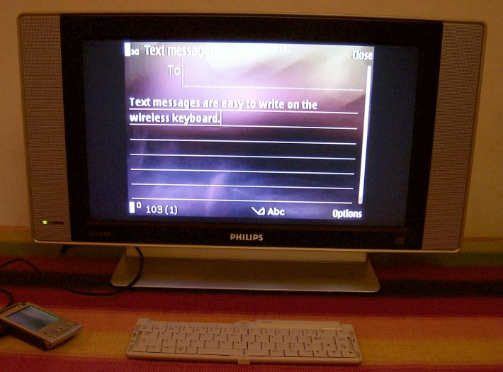 text messaging through TV Out on the N95