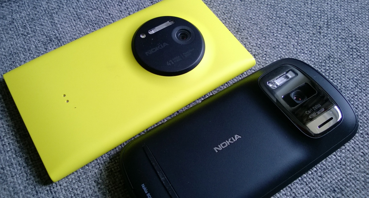 Lumia 1020 and 808 PureView