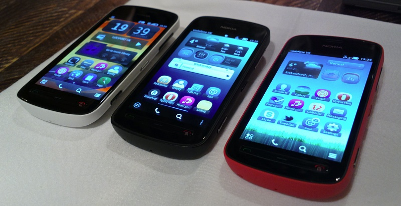 White, black, red Nokia 808s
