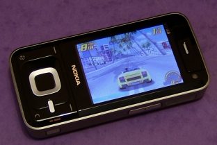 Nokia N81 running Asphalt 3 demo