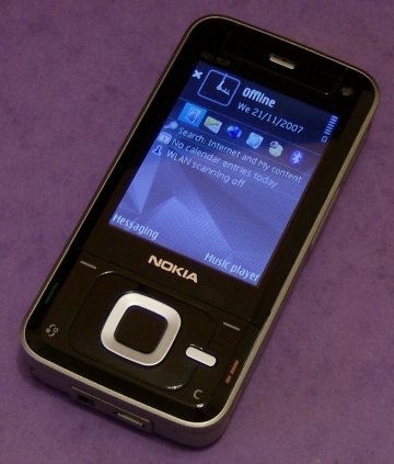 Nokia N81 in closed mode