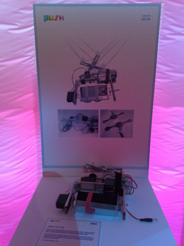 The N900 (and N8) articulated kite rig