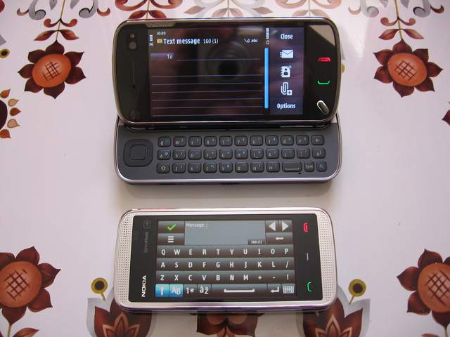 Physical QWERTY vs touch screen QWERTY