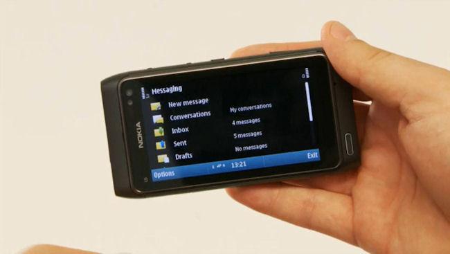 Nokia N8 in detail