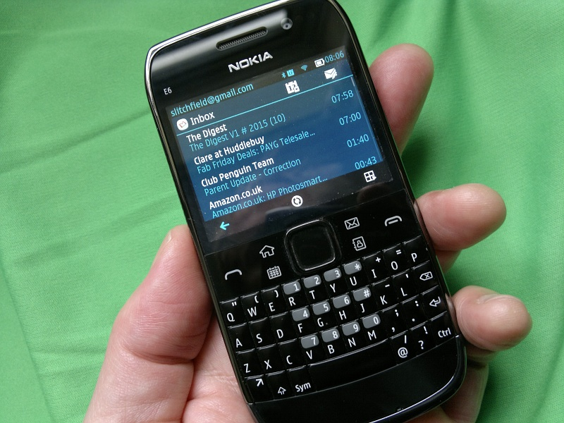 Nokia E6 with Belle and Font Magnifier