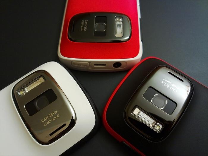 Nokia 808s