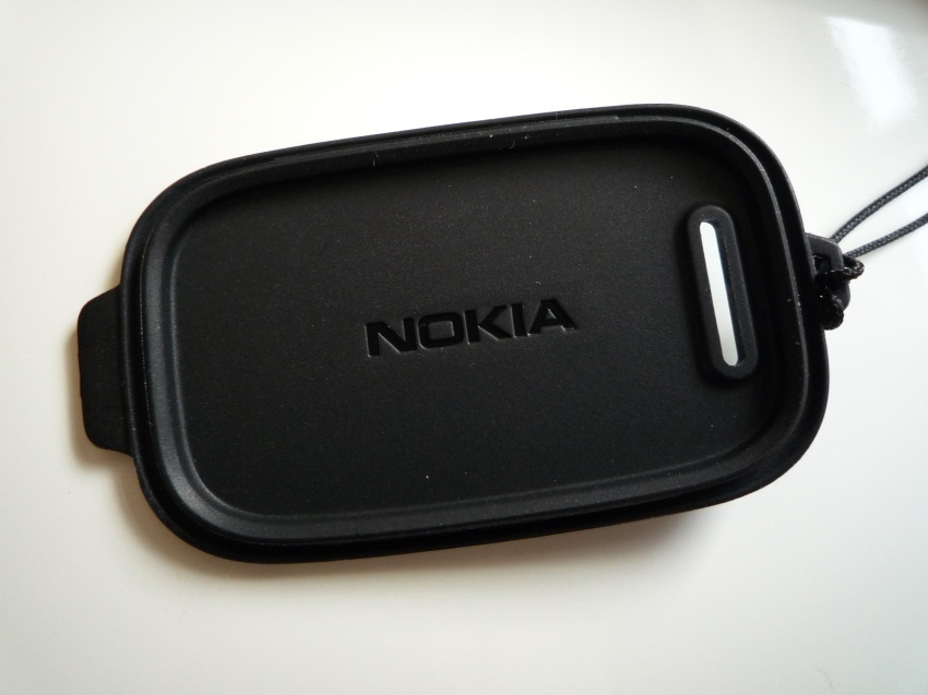 CC-3046 case redesign from Nokia for the 808