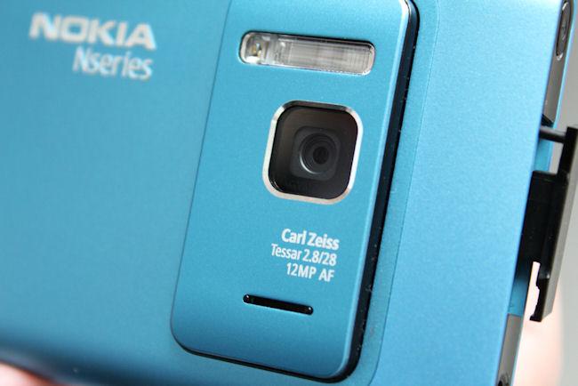 Nokia N8 camera cluster