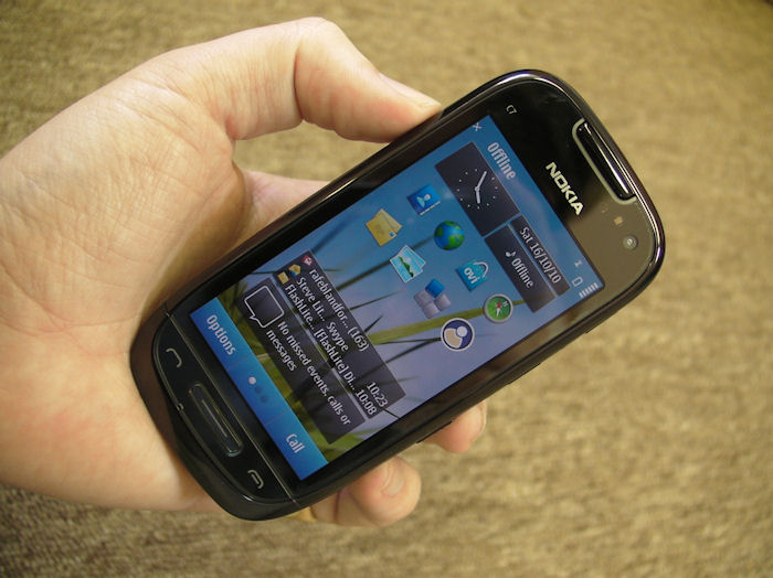 Nokia C7 in the hand