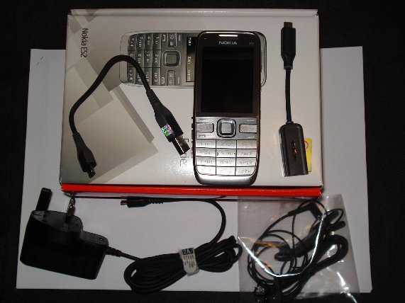 Nokia E52 package