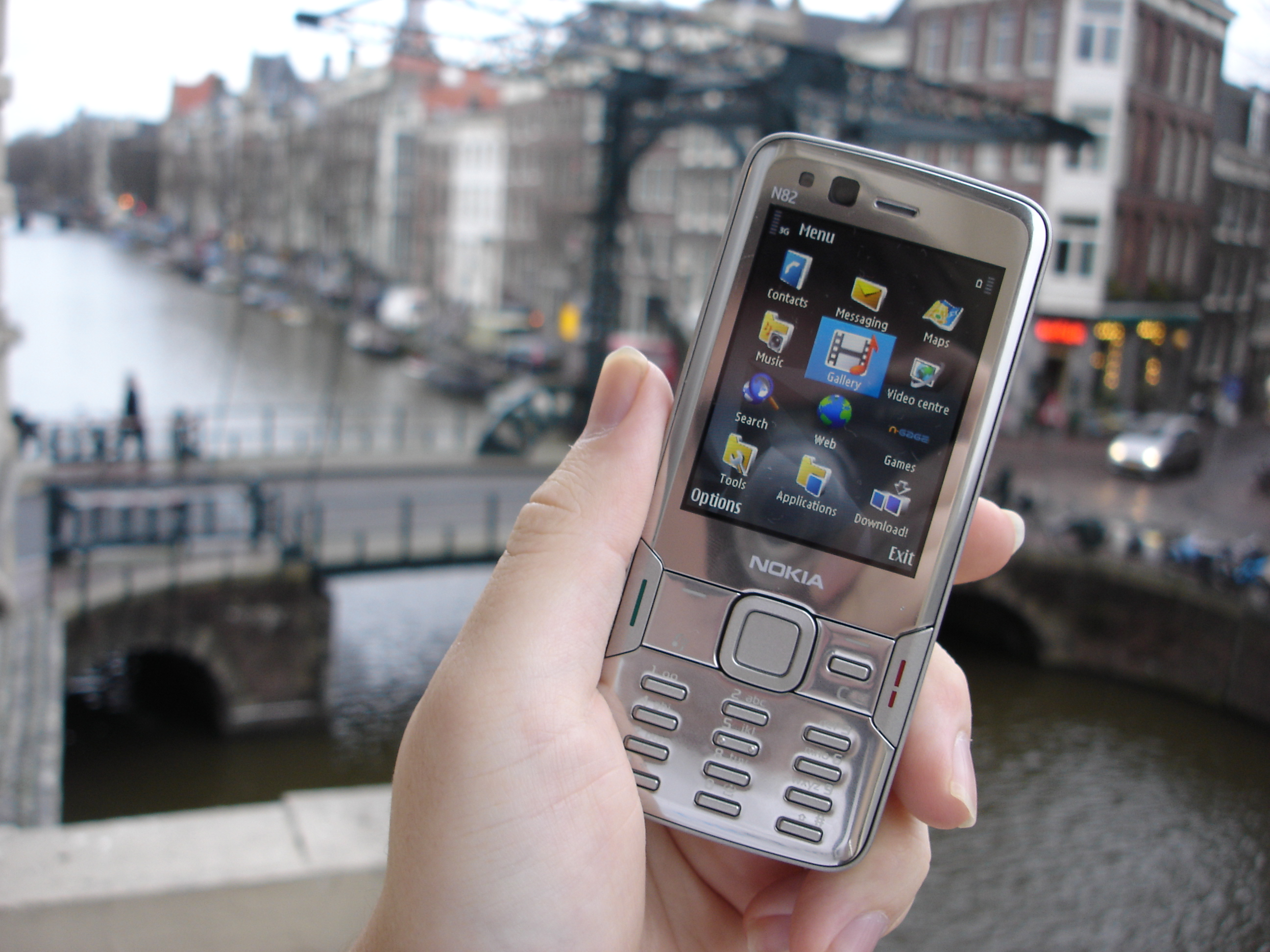 Nokia N82 - part 1 - The Physical, the Camera review - All About ...