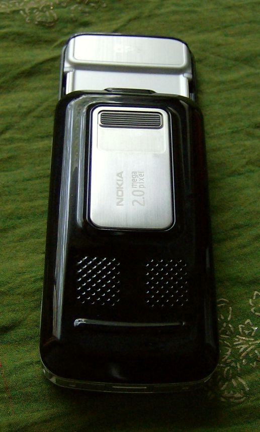 Nokia 6110 Navigator back view keypad open