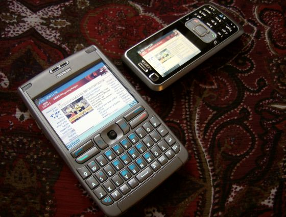 Nokia 6120 Classic next to Nokia E61