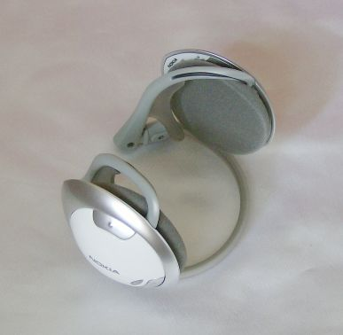 Nokia BH-501 headphones folded