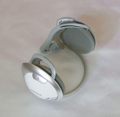 Nokia BH-501 headphones folded