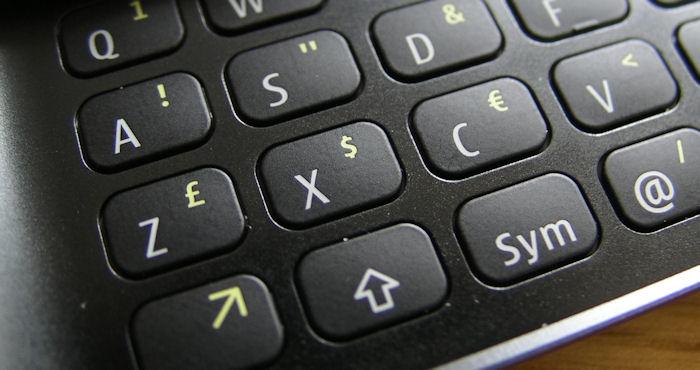 Nokia E7 keyboard