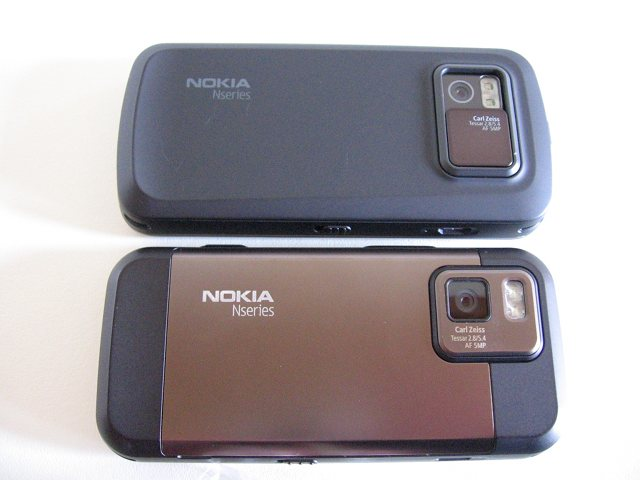 N97 Classic & N97 Mini - Rear View