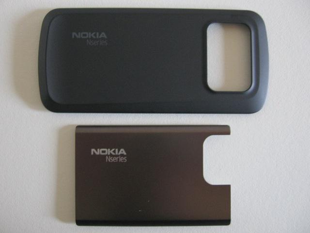 N97 Classic battery cover vs N97 Mini battery cover